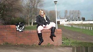 Blonde voyeur babe Sophie Keagan dethrone flashing and upskirt