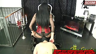 german facesitting bdsm domina together with piss slave