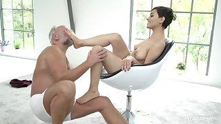 Horny young Euro whore sucks grandpa bushwa