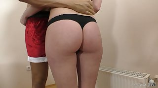 Natural chesty GF Molly OConnor loves facesitting and horny missionary