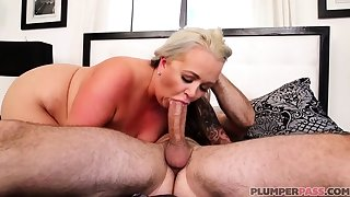 Australian BBW with chubby confidential gives blowjob