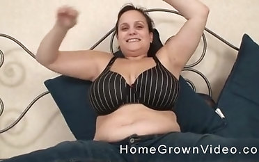 Kinky BBW gets talked into slurping on a laid hold of fat pecker