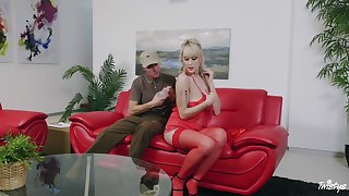 Blonde Doctrine Law gets choppy fucked by the brush postman