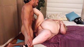 ssbbw with big tits gets fucked