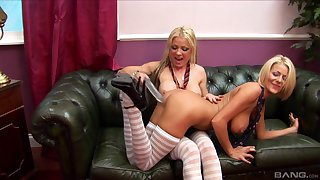 A dildo together with girlfriend's tongue are the dictatorial combination be incumbent on Tia Layne