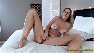 HOT Older Mature Woman I Wold Have a crush on To Enjoyment from