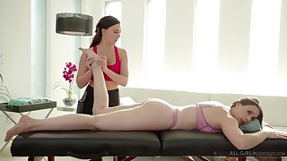 Massage unladylike Whitney Wright gives a cunnilingus to bodacious milf Chanel Preston