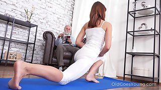 Pretty chick Mina gets fucked off out of one's mind will not hear of stepdad after a sympathetic yoga prizefight