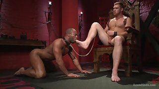 Muscular gay lovers in a smashing maledom scenes