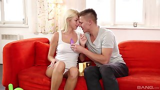 Lovely oral foreplay leads the unpropitious blonde to fuck in insane modes