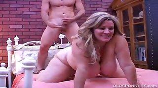 Beautiful Mature Chunky Beautiful Woman Deedra Has Chunky Tits