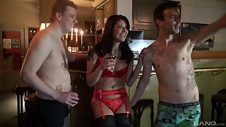 Ennuyant fucking in the evening with sluts Anita Confoundedly and Mariskax