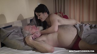 Young wifey Emily Brix is craving for sex with superannuated tighten one's belt early round the morning