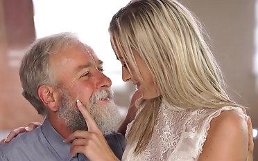Young Shanie Ryan enjoys a elder statesman dick in her peach